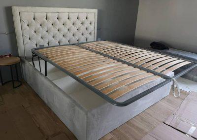 1004. Тапицирана спалня с хоризонтално повдигане на матрака