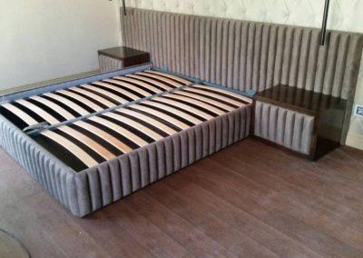 1027. Спалня и нощни шкафчета с тапицирани елементи